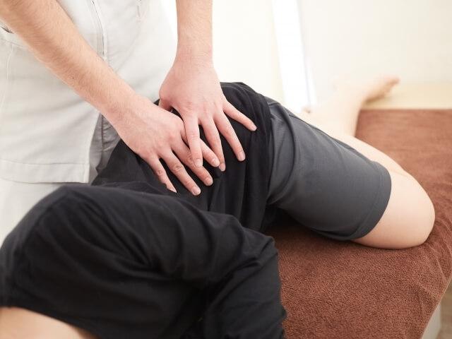 下半身の筋肉を緩める心地よい施術で骨盤を矯正します